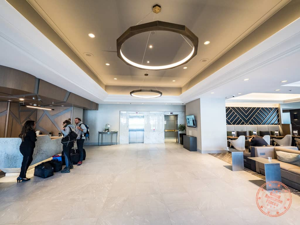 where to stay in richmond bc marriott vancouver airport hotel lobby