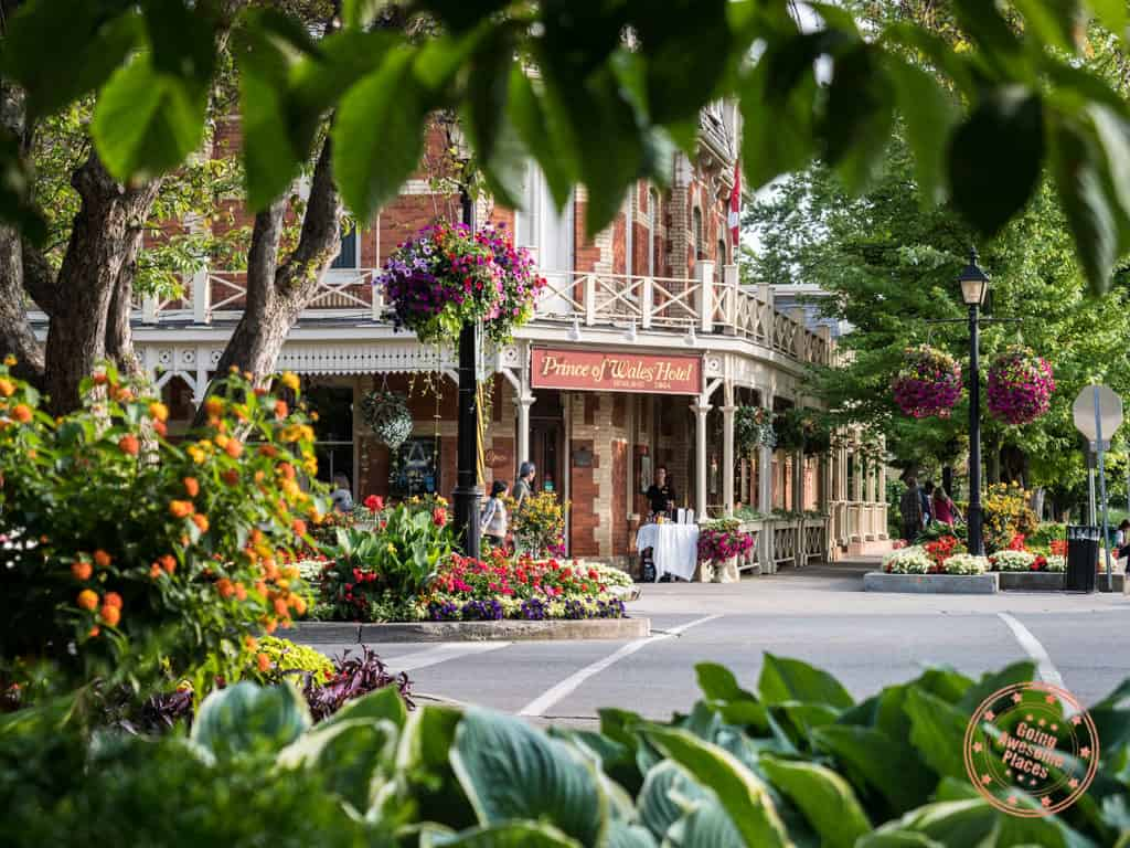 prince of wales where to stay in niagara falls guide