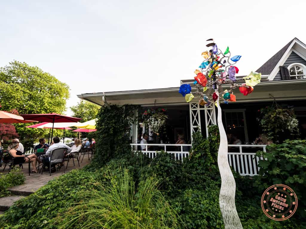 zee's patio and grill where to eat in niagara on the lake