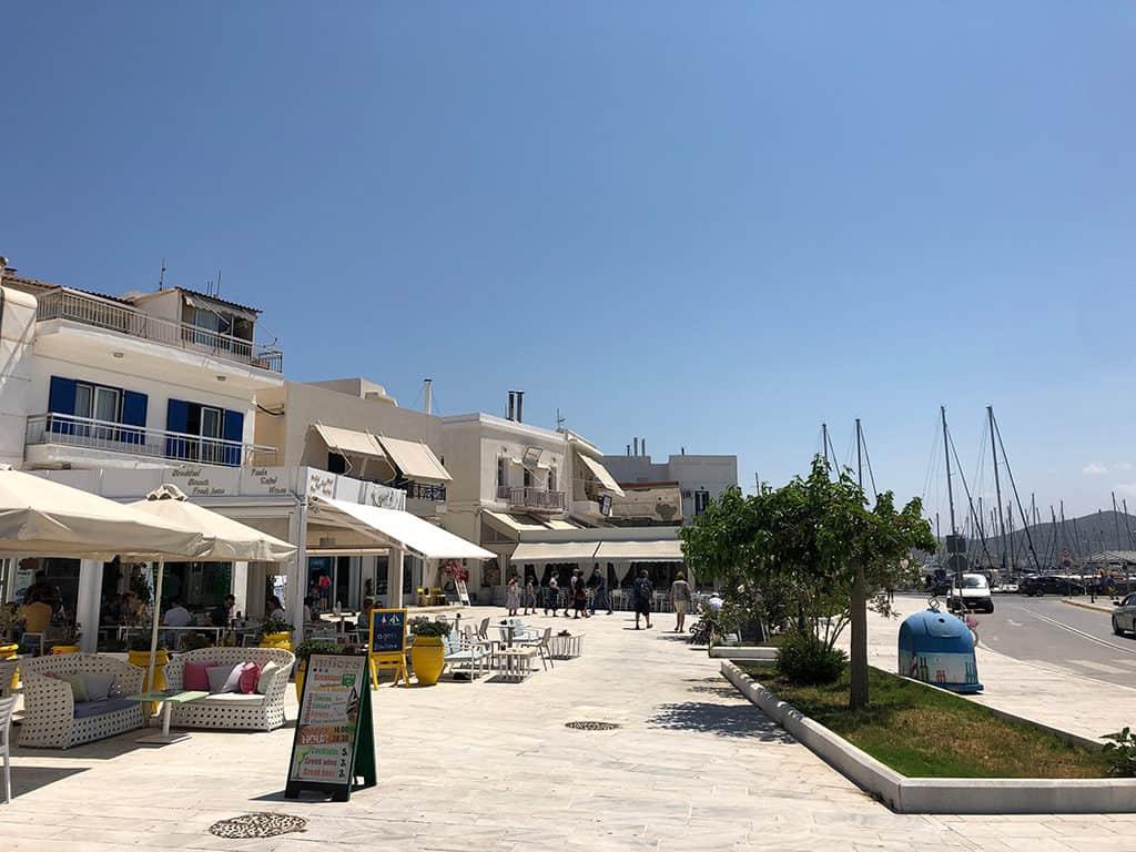 adamas town in milos