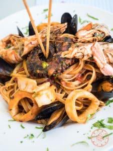 araxe folegandros seafood pasta dish