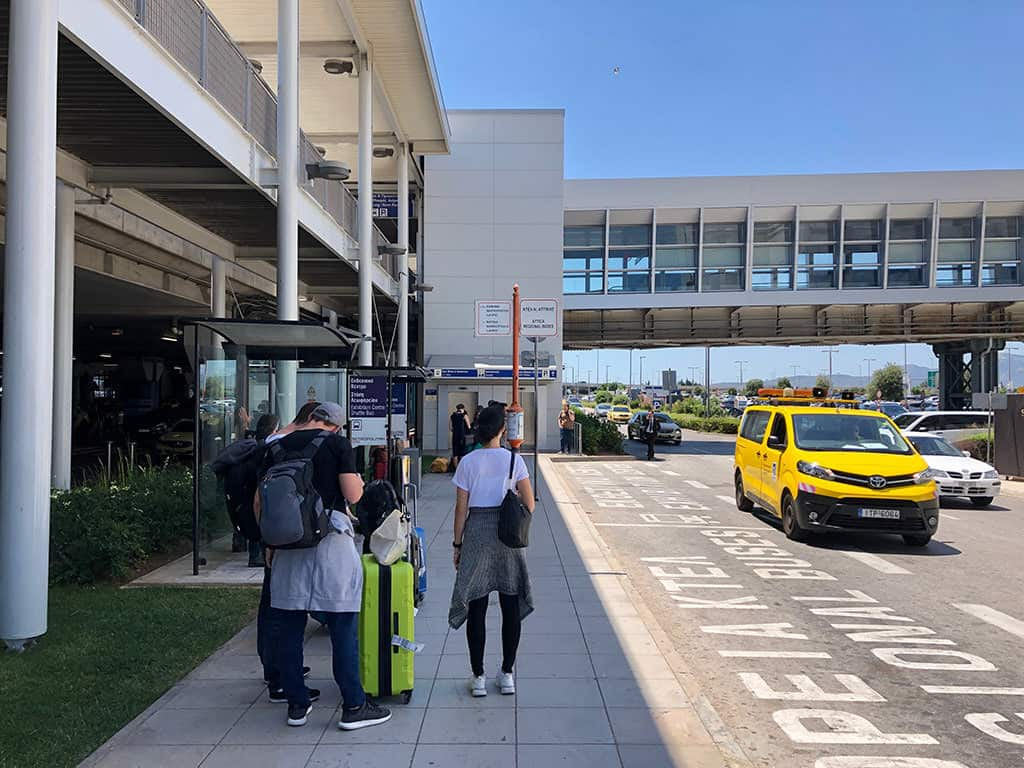 athens airport to rafina bus stop location