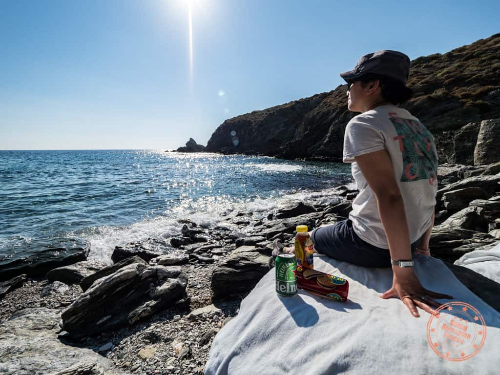 folegandros ambeli beach with beer