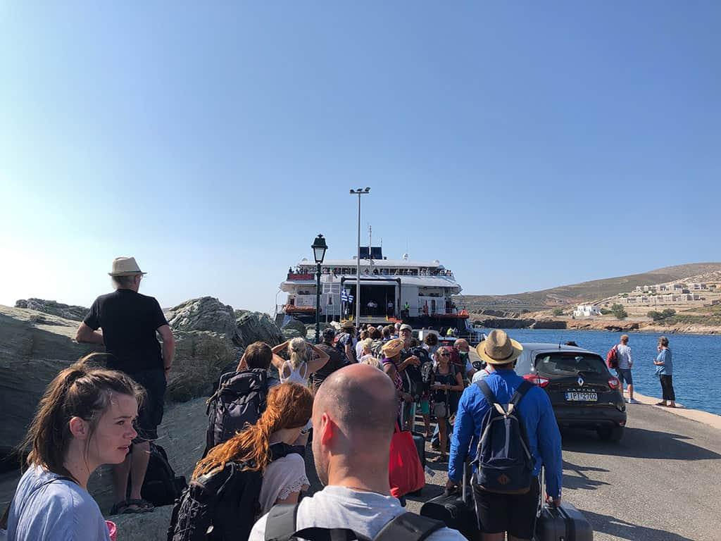 folegandros queue for ferry