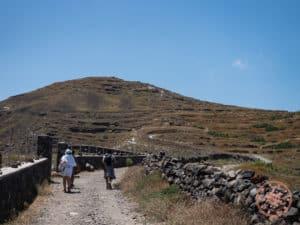 hik trail to oia uphill