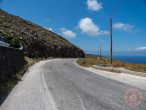 oia hike along road