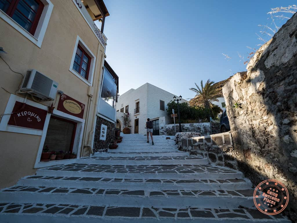 path from plaka to kastro castle