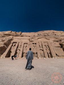 temple of hathor abu simbel nefertari