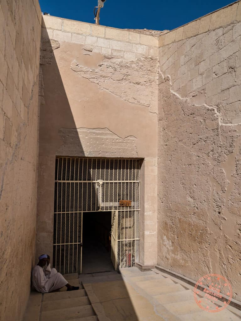 entrance to pharaoh tomb in valley of the kings luxor egypt