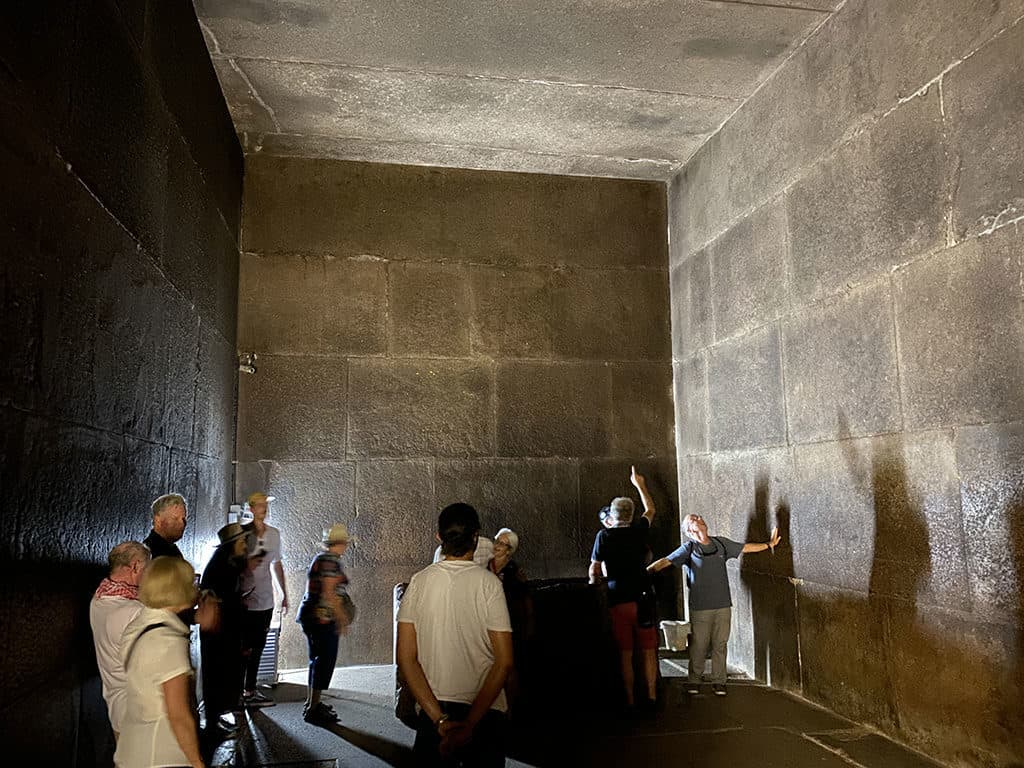 inside kings chamber great pyramid khufu cheops