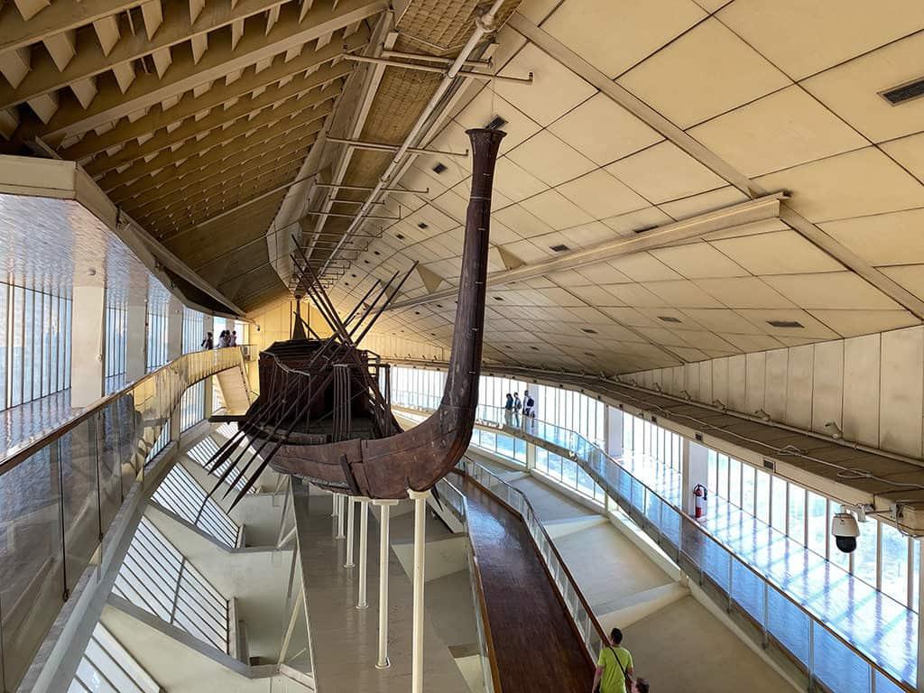 khufu sun boat museum giza plateau