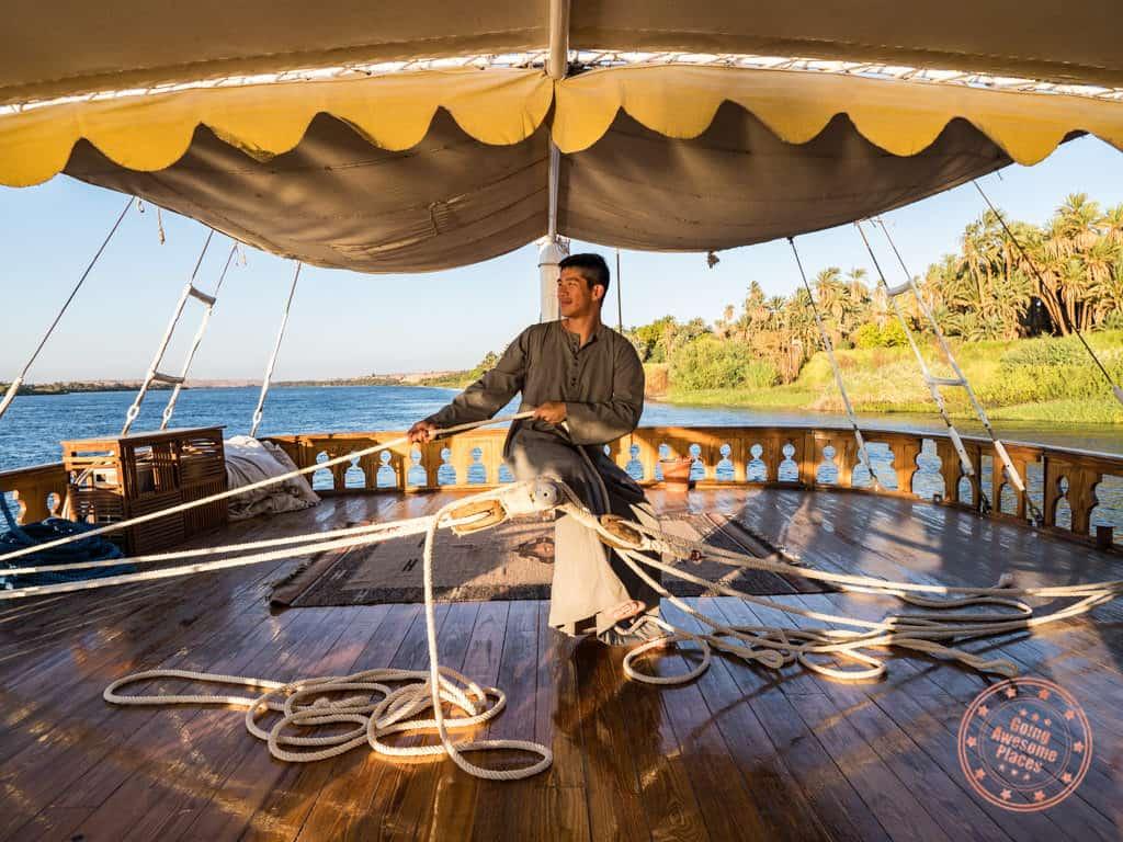 mannign the dahabiya rudder egypt 10 day trip