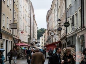 salzburg getreidegasse street