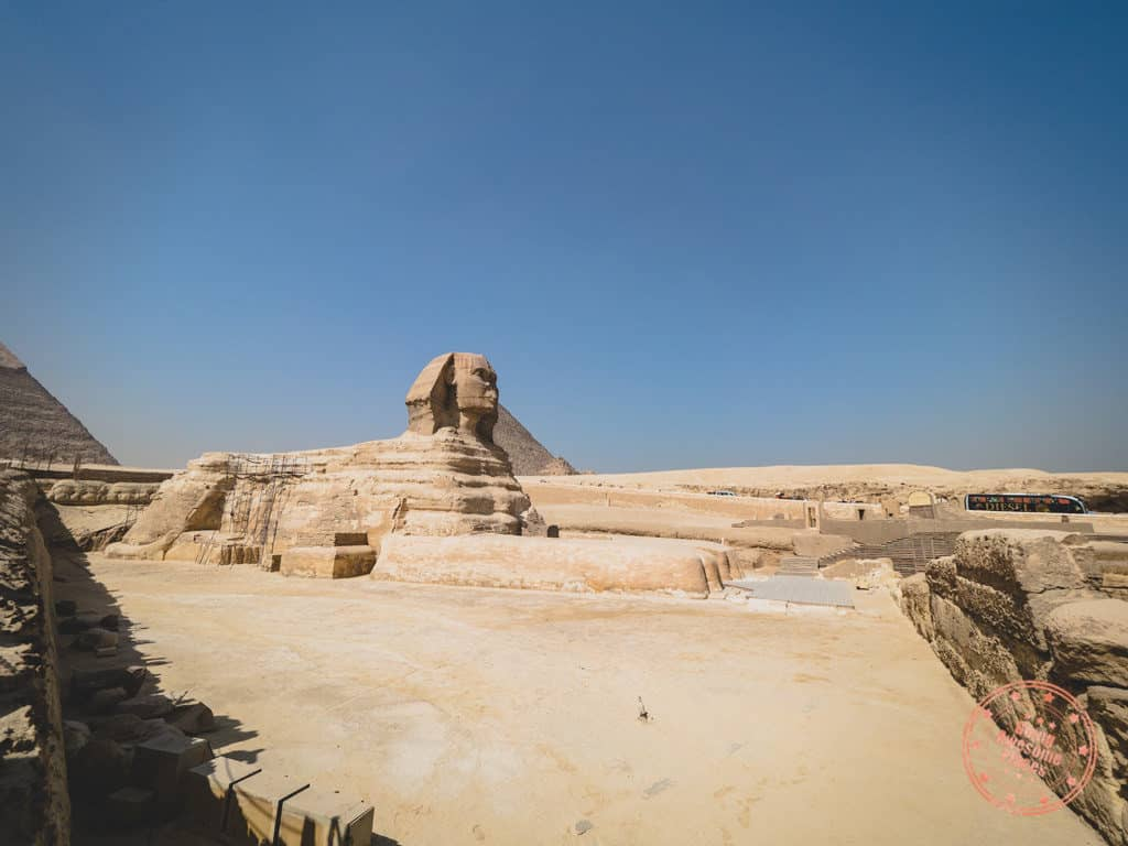 the great sphinx wide angle base statue