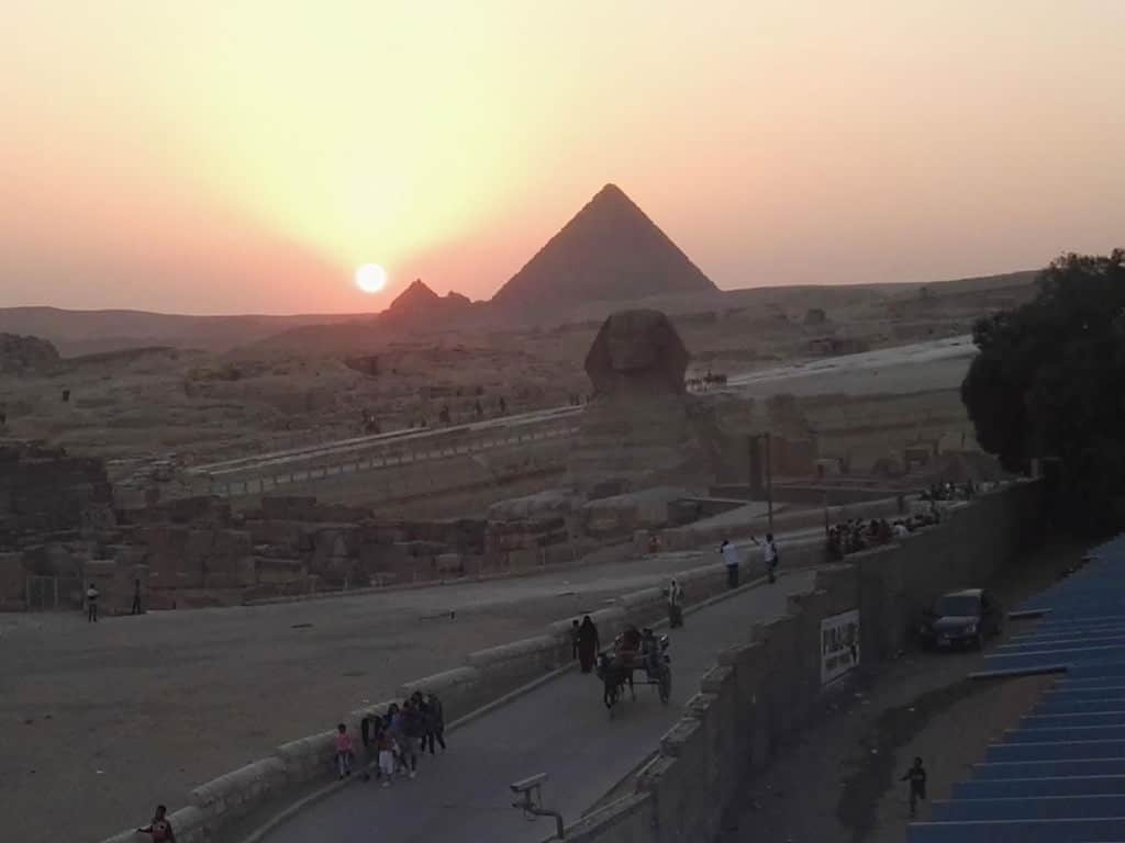 this is how close atlantis pyramids inn is to the sphinx