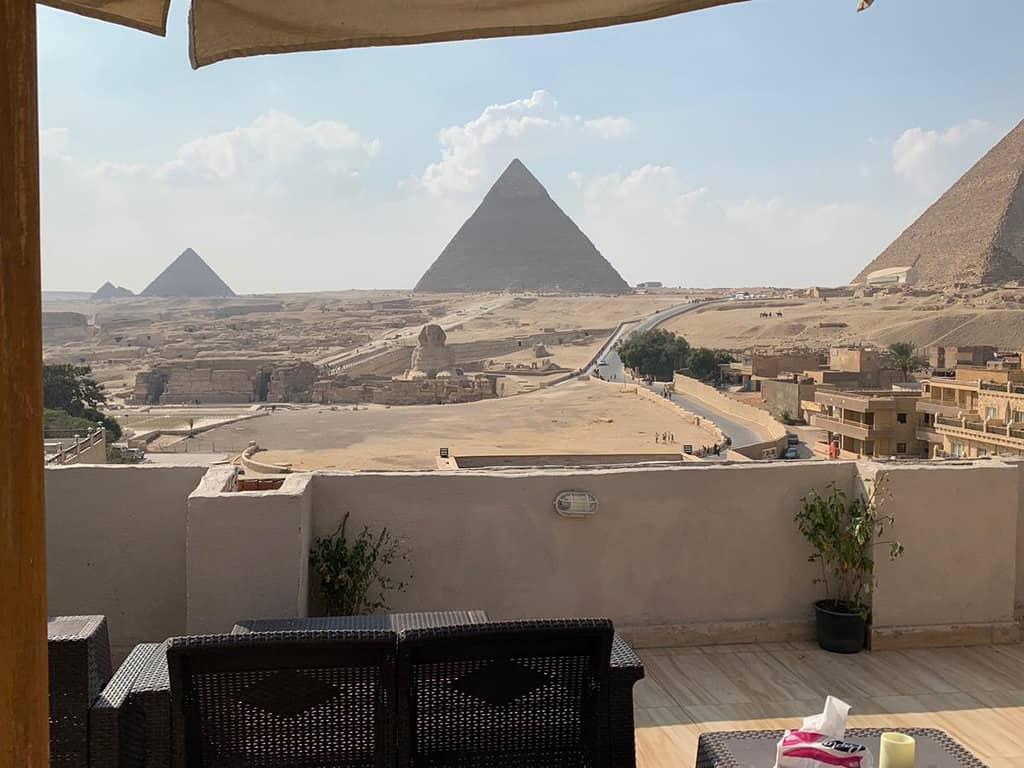 giza pyramids inn balcony and rooftop