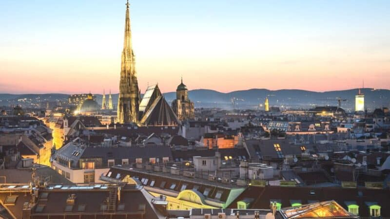 where to stay in vienna guide featured
