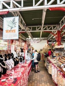 papeete market souvenir stalls