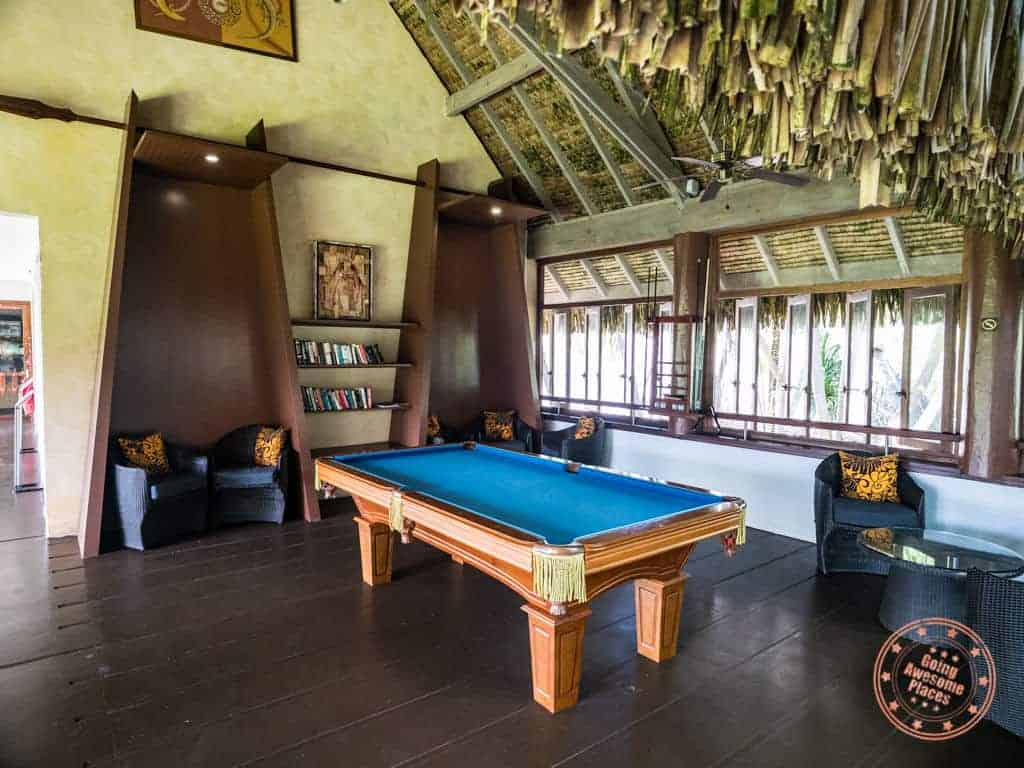 resort library and pool table