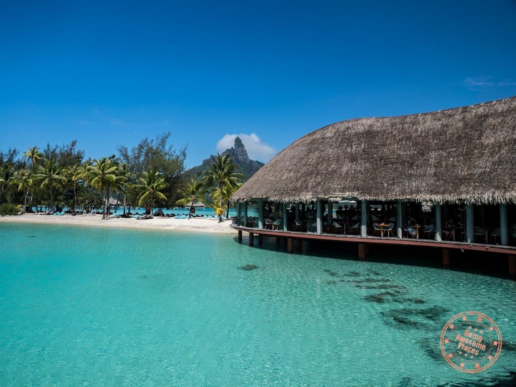 le tipanie restaurant lagoon