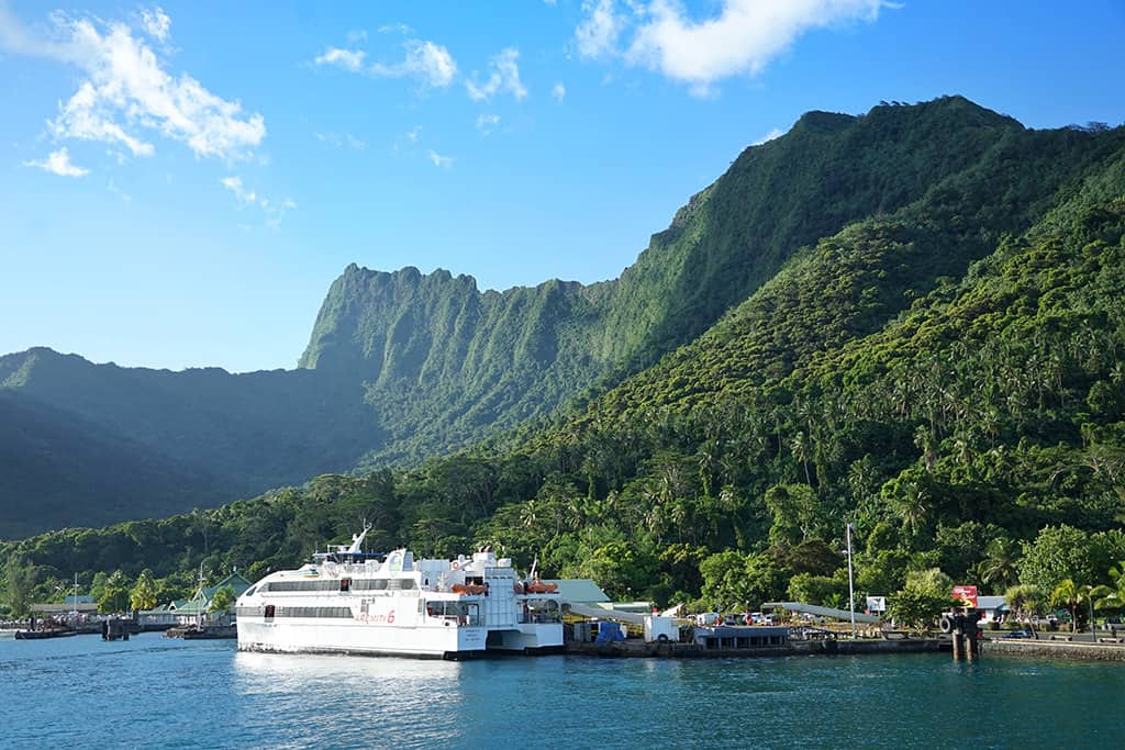 quay for ferry from tahiti to moorea