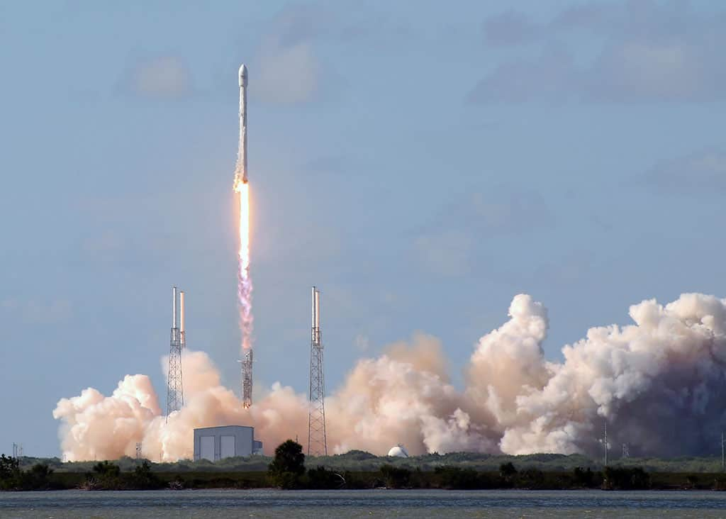 cape canaveral spacex falcon 9 launch