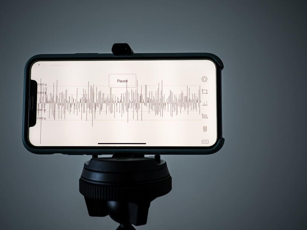 peak design travel tripod vibration analysis