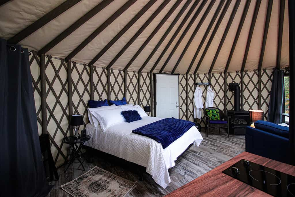 yurt it up north interior bed