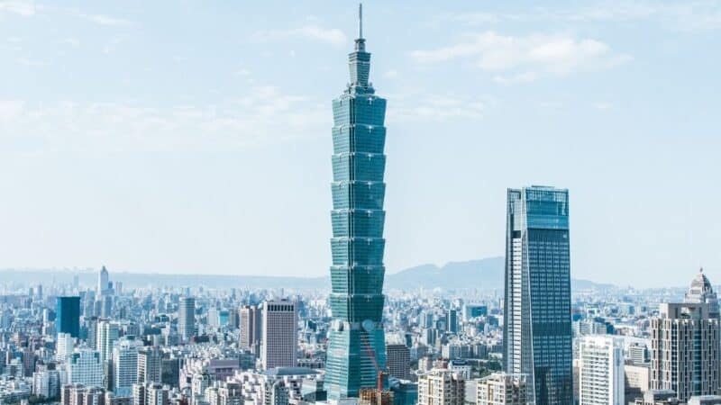where to stay in taipei neighbourhood guide featured
