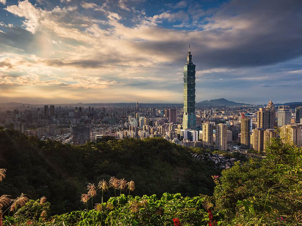 where to stay in taipei neighbourhood guide and view of the city