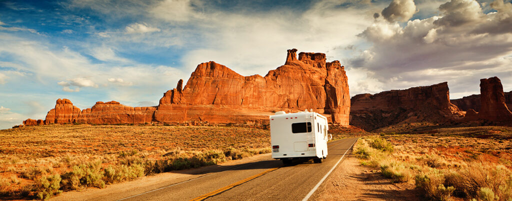 motor home travel with an rv to drive from ontario to arizona and utah