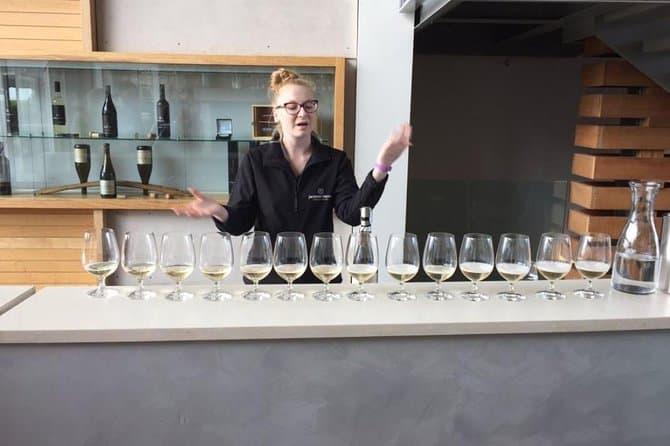 niagara falls wine tour with cheese pairings