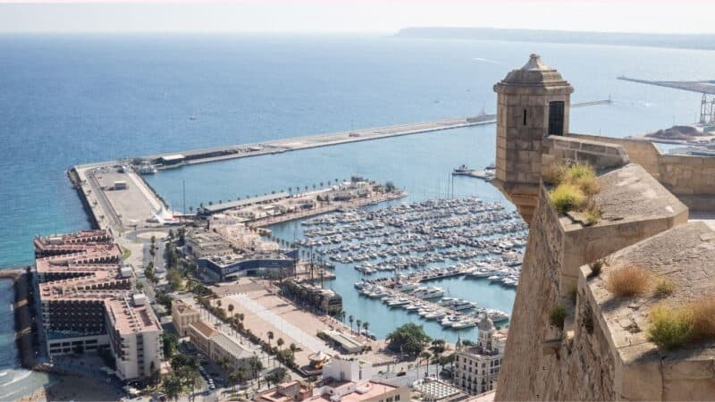 alicante airbnb rentals featured