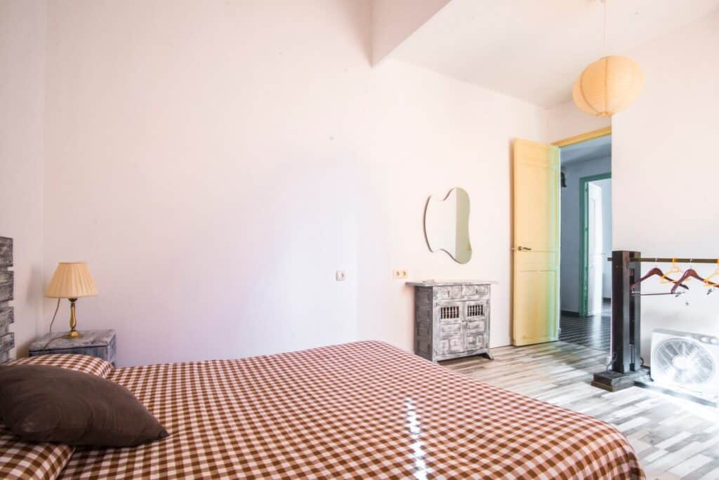alicante airbnb apartment where to stay
