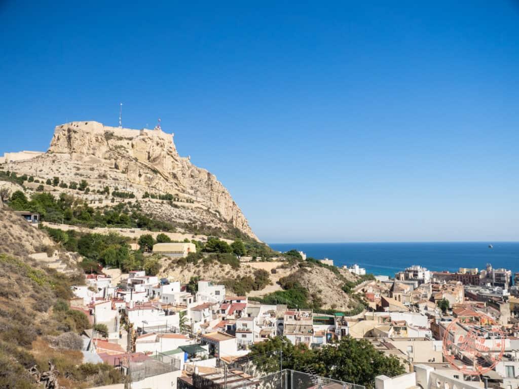 best alicante airbnb rentals that are near the santa barbara castle