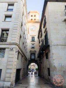 alicante el barrio clock tower
