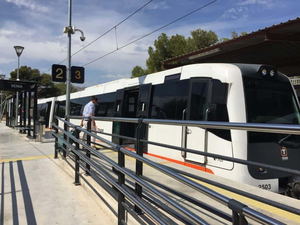 changing tram in benidorm to altea