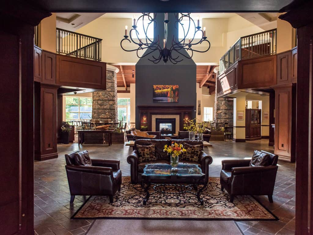 deerhurst resort in northern ontario foyer