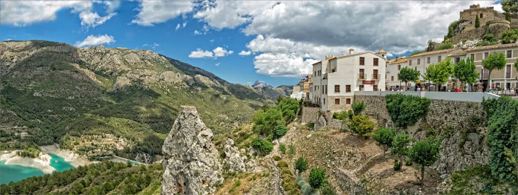 guadalest day trip from alicante panorama
