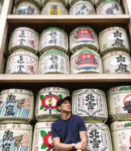 sake barrels at hamachimangu shrine