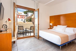 where to stay tryp cuidad de alicante bedroom