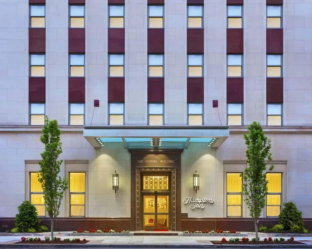 hampton inn washington dc white house exterior entrance when booking with hilton corporate codes