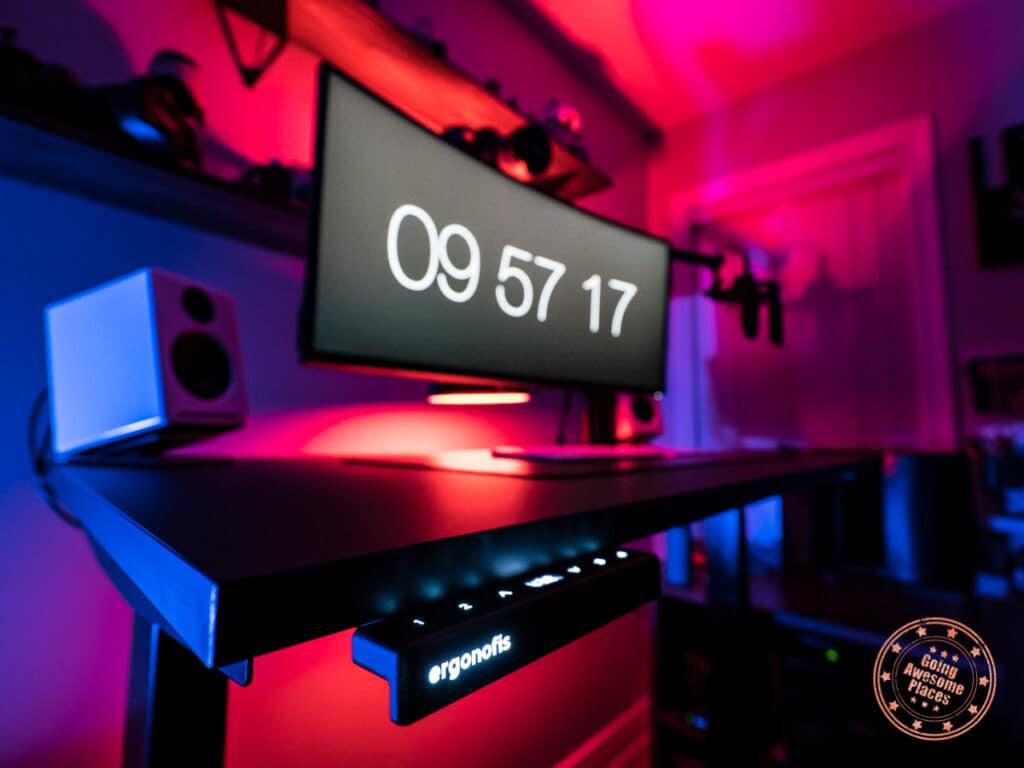 ergonofis shift 2.0 standing desk close up