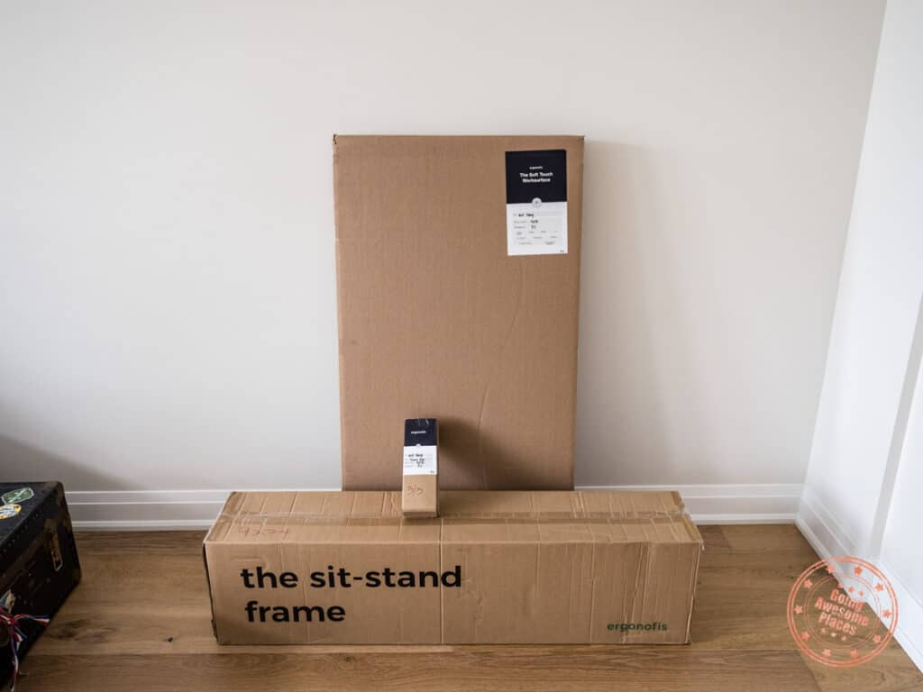 ergonofis shift 2.0 sit stand desk packaging and delivery boxes