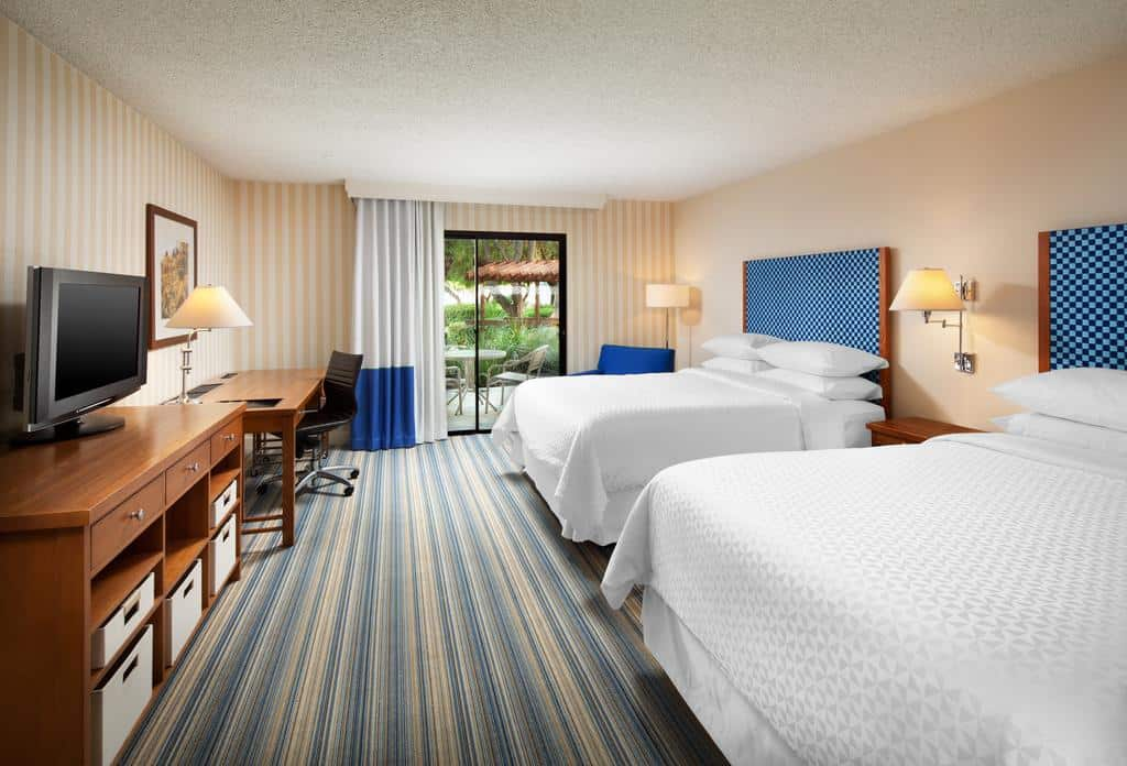 Four Points by Sheraton Bakersfield category 1 hotel