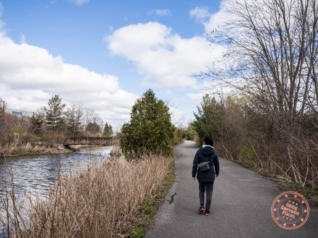 paved beaver greenway trail in richmond hill