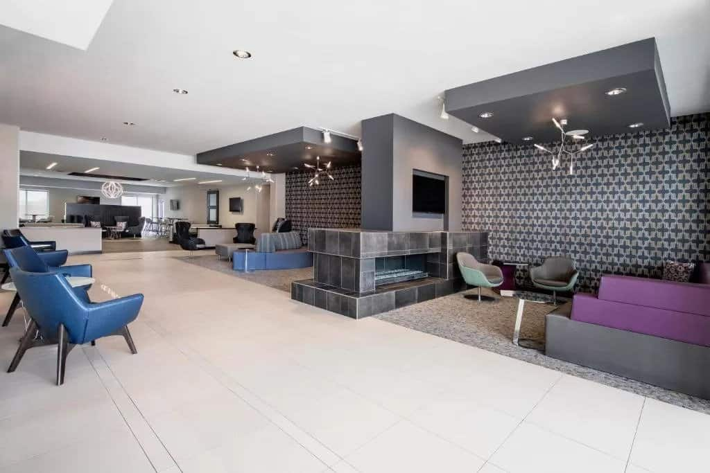 fairfield and suites winnipeg lobby category 1 hotel marriott