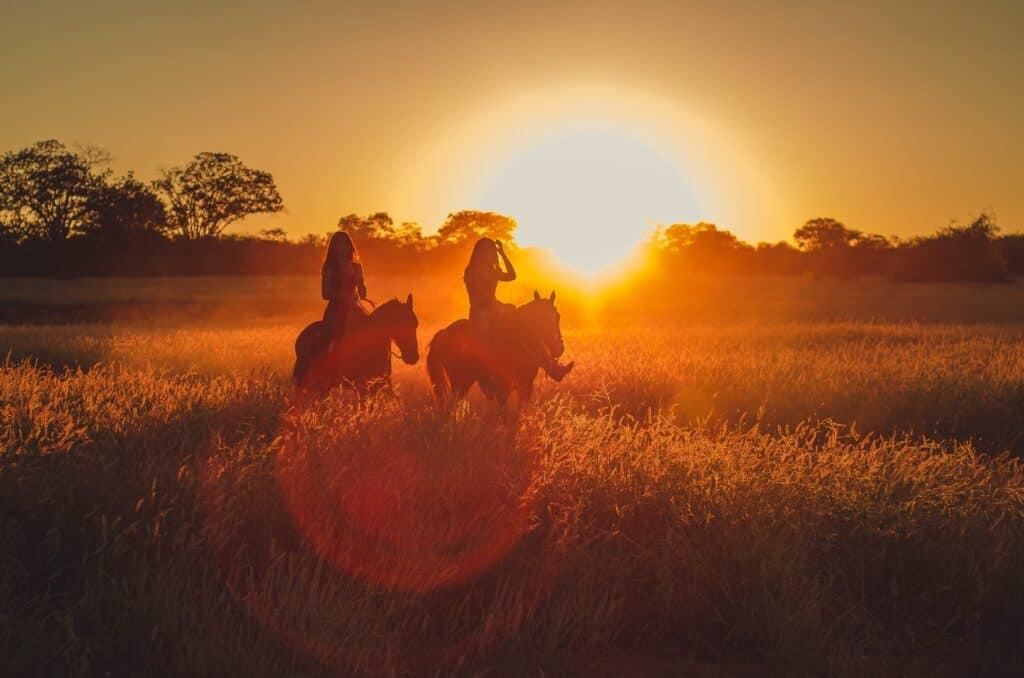 sunset horseback riding with eagle creek ranch