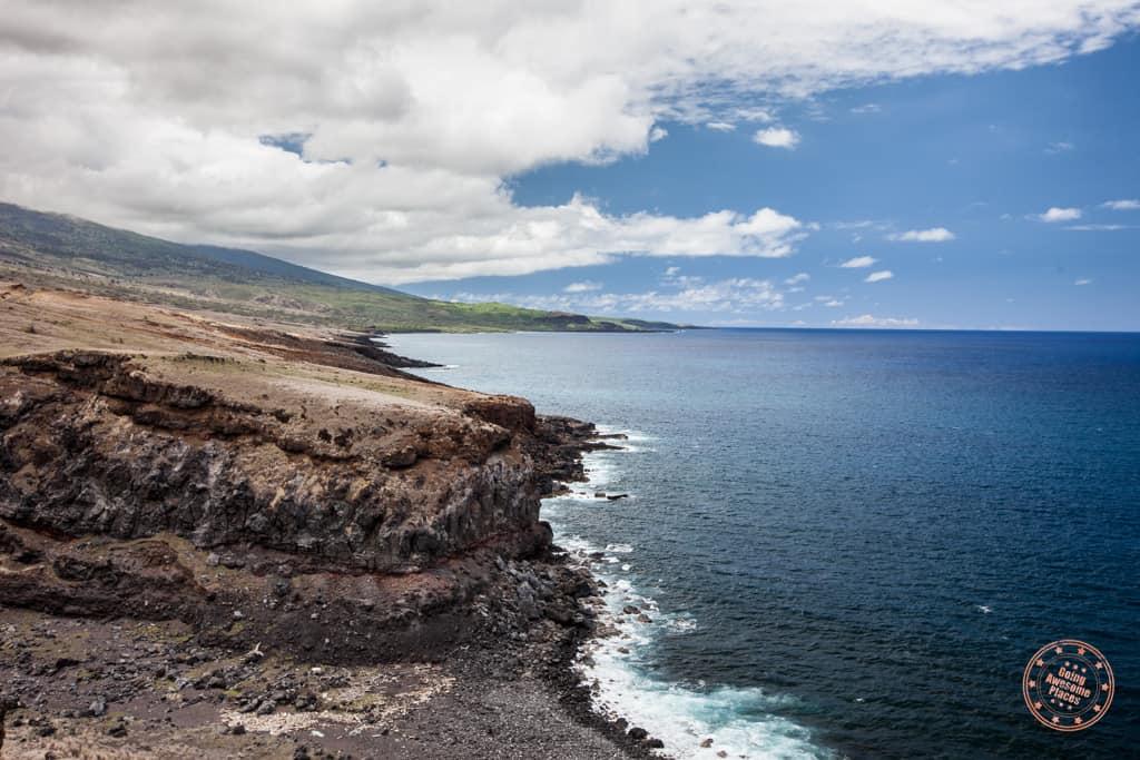 maui itinerary in 5 days rugged coastline on road to hana