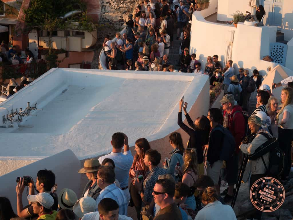 yes the crowds in santorini are pretty crazy
